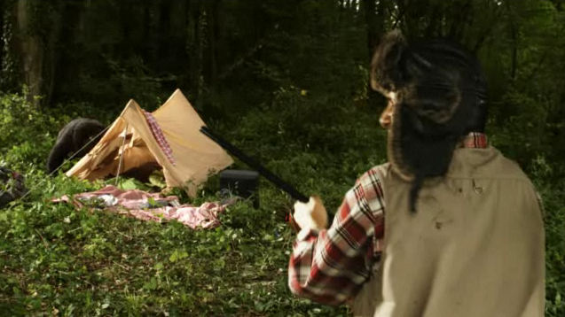 Marketing Viral: A Hunter Shoots a Bear