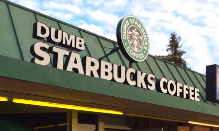 Dumb Starbucks, la empresa que le robó el nombre y el logo a Starbucks